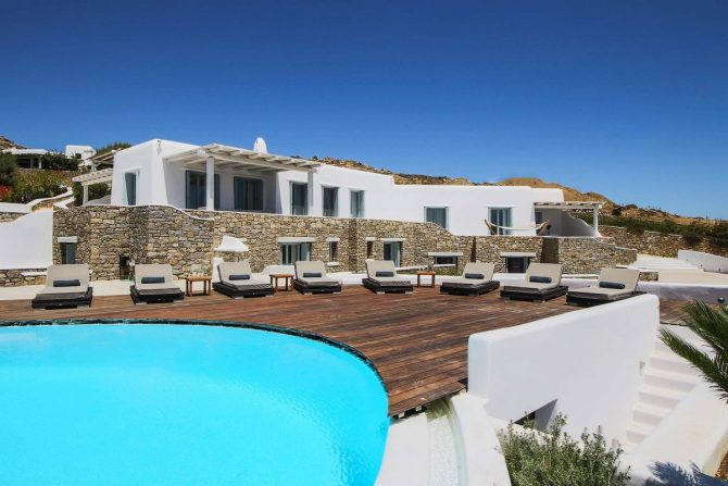 Mykonos villa for group or family